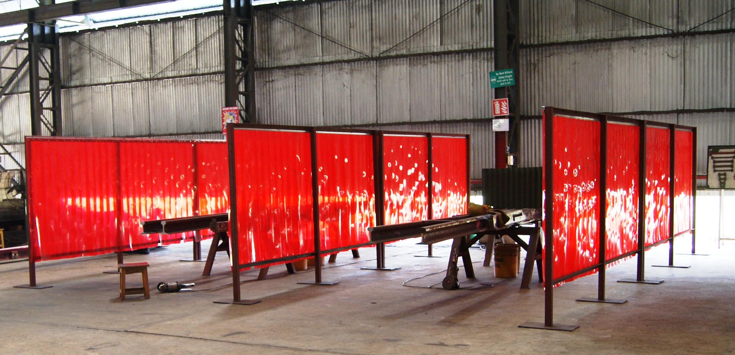 xarwc red curtain unimig welding product